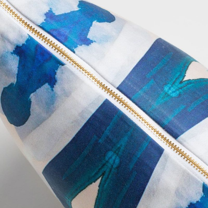 Luxury organic blue ogee diamond pattern square pillow with brass zipper