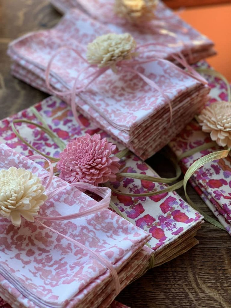Pink organic cotton napkins in gift packs