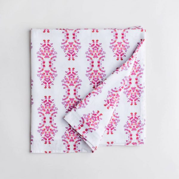 Pink and white patterned organic cotton table cloth