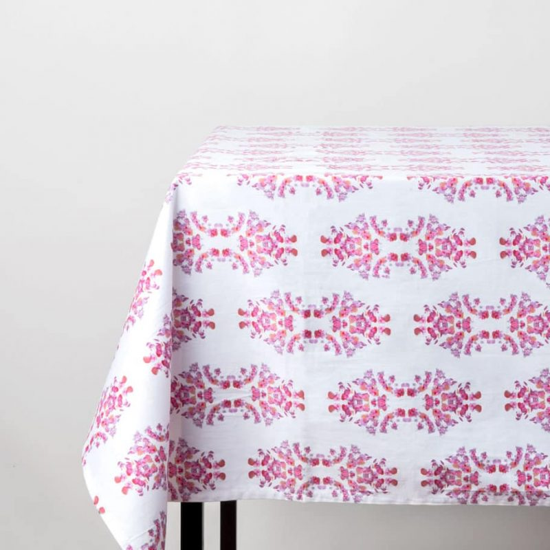Pink and white organic cotton table cloth