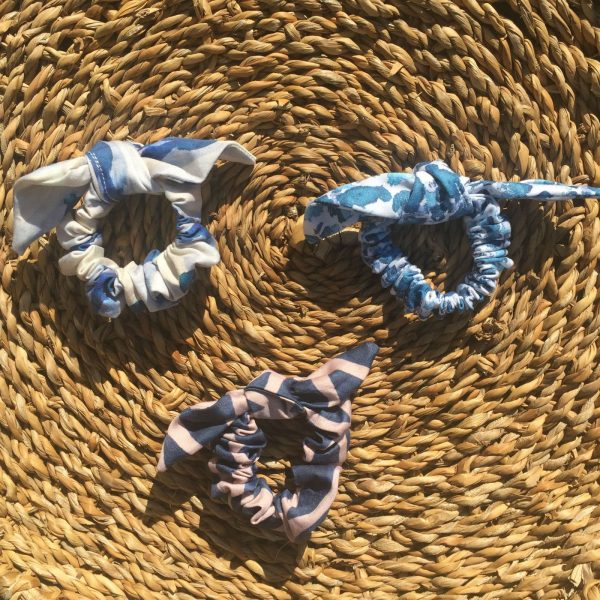Organic cotton scrunchies in blue and white patterns