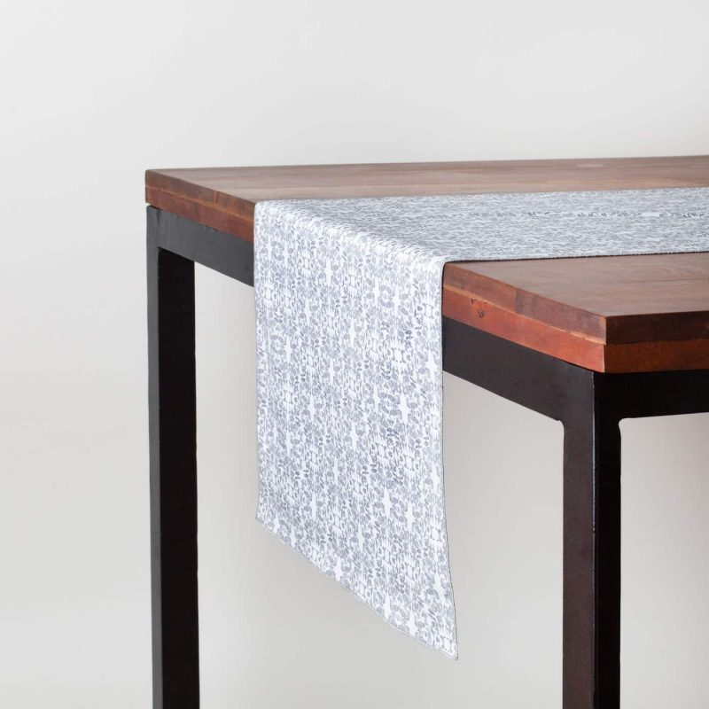Table set with organic cotton graphite and white table runner