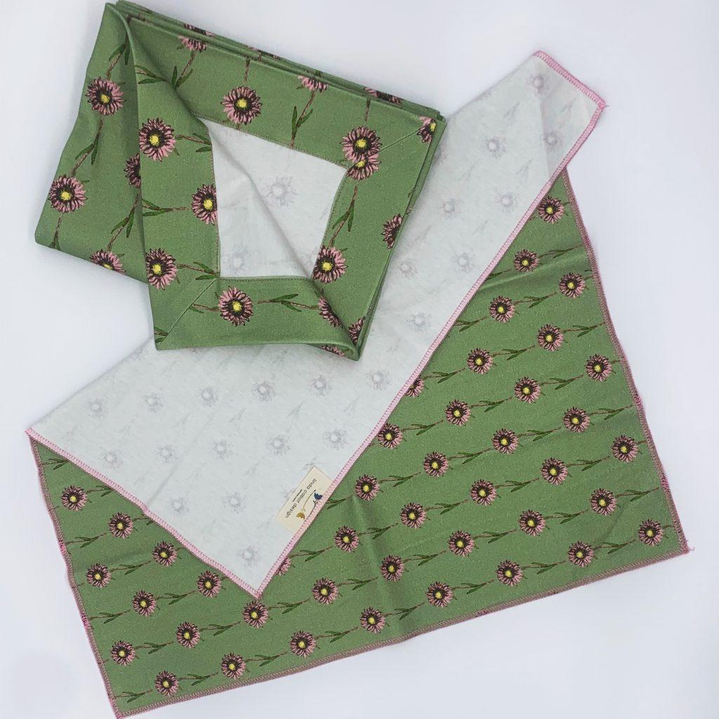 linda cabot design moss daisy baby bundle
