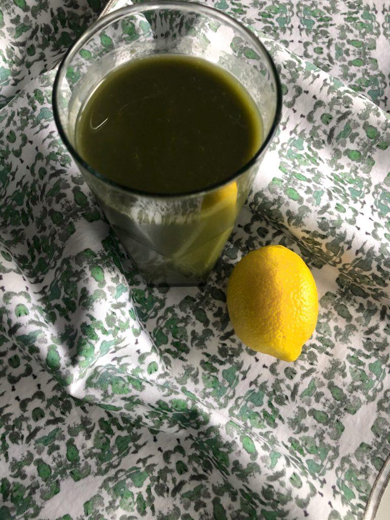 Green Juice with Lemon