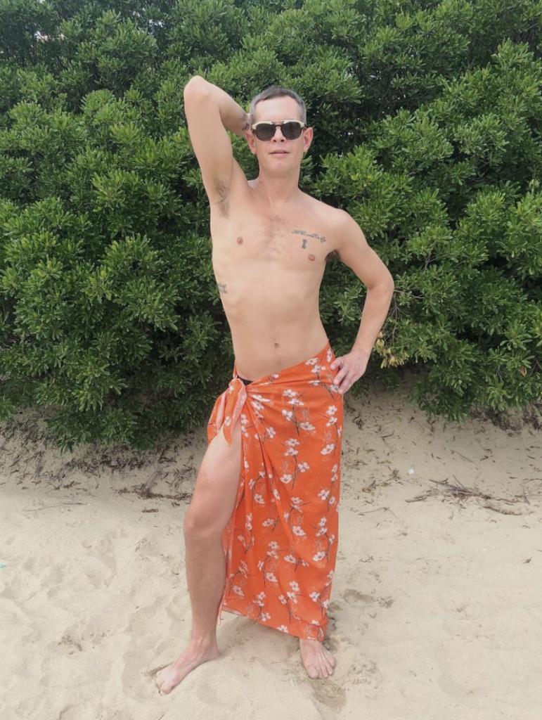 linda cabot design men's sarong